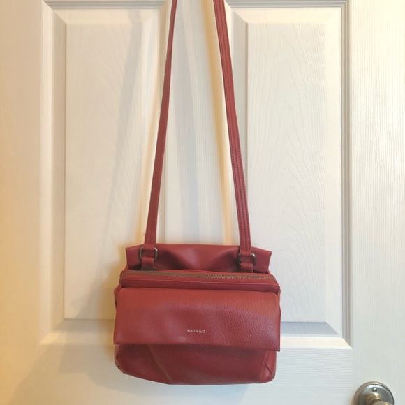 Red Matt & Nat purse